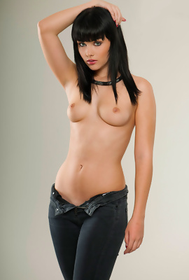 /Exciting model Mellisa Clarke
