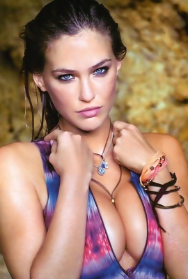/Blue-eyed Bar Refaeli