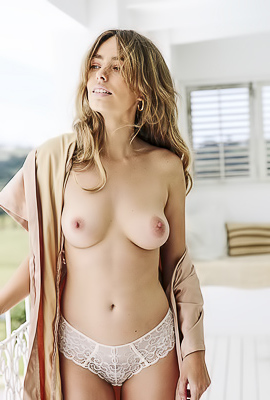 /Hot Playboy Anthea Page Swimming Nude
