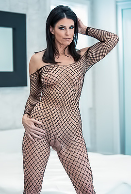 /MILF India Summer Fucking In Black Fishnet