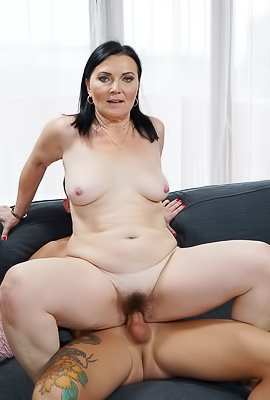 /Extreme Hairy Porn With Mature Ilsa